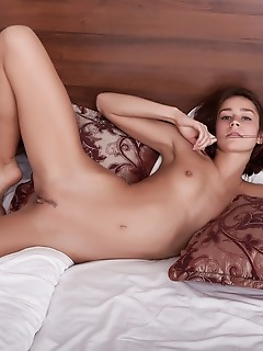 Stunning naked girl