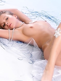 Blonde angel shows off