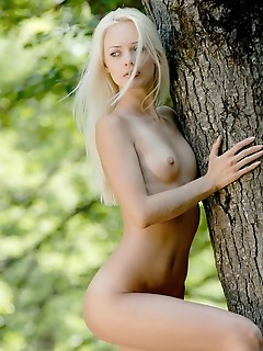 Nature free pictures of glamour girls