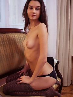 Lovely nude beauty